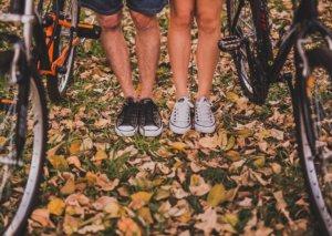 איך להפוך צימר רומנטי לדובדבן של טיול אופניים בשניים
